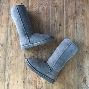 UGG Australia Classic Tall 5815 Boots in Grey
